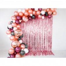 Folinė kutų užuolaida dekoracijoms