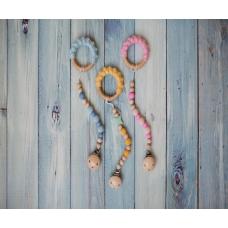 Medinis Kramtukas Burbuliukai su mediniu-silikoniniu laikikliu Rožinis