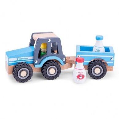 Medinis mėlynas traktoriukas su priekaba