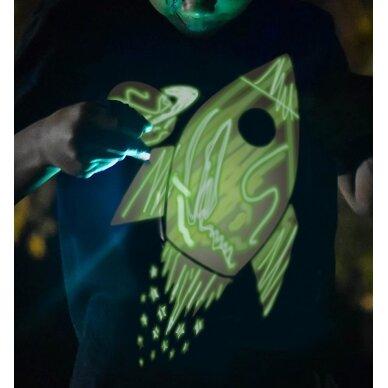 Splat Planet šviečiantys tamsoje marškinėliai, Kosmose 3