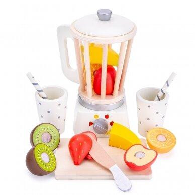 Medinė kokteilinė su pjaustomais vaisias 2